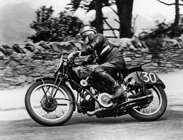Stanley woods on moto guzzi 1935 iom tt as photographic for Pm stanley motor cars