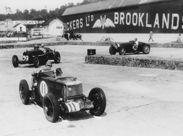 British Empire Trophy race at Brooklands 1935. MG, Alfa Romeo, Bugatti