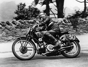 Stanley woods on Moto Guzzi 1935 IOM TT