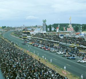 Start of the 1966 Le Mans