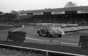 VW Beetle, R.Vaughan. Goodwood 28th member's meeting 26.4.1958