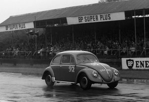 VW Beetle, R.Vaughan. Goodwood 34th member's meeting 25.4.1959